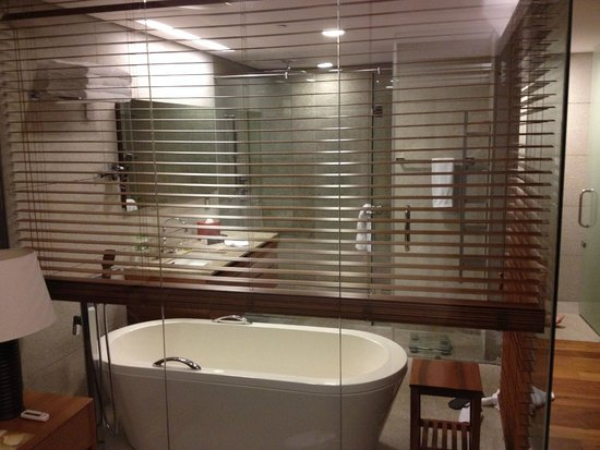 InterContinental Asiana Saigon Residences : Bathroom