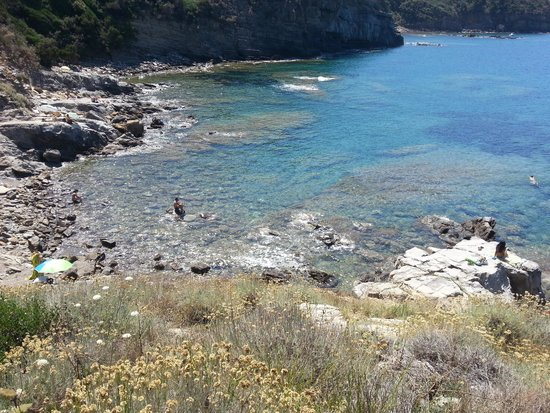 Populonia, Italy: spiaggia
