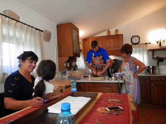 San Ginese, Italy: Cooking with Carla