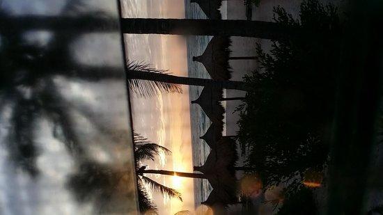 La Zebra Colibri Boutique Hotel: Sunrise from cabana # 2