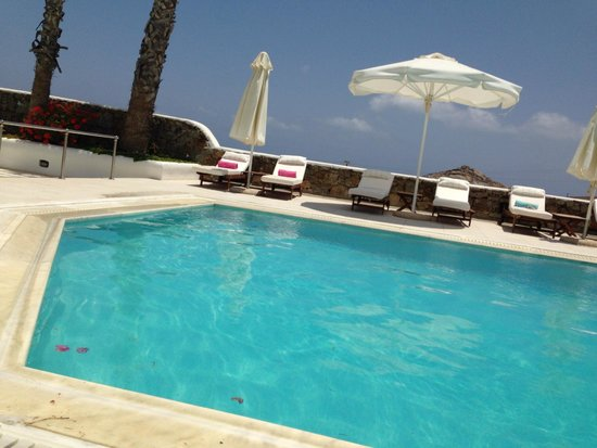 La Residence Mykonos Hotel Suites: Like having a private villa... with dining facilities