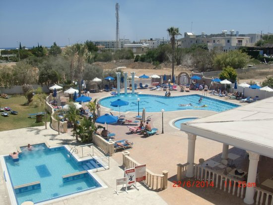 Chrystalla Hotel : 3 Pools