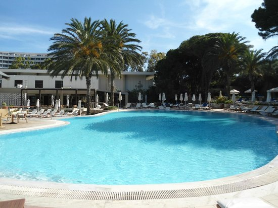 Rodos Palace: Μια απο τις πισινες