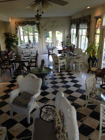 Elk Forge B&B Inn, Retreat and Day Spa: breakfast room