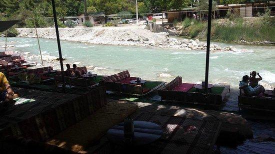 Imparator Hotel: seating over rapids, saklikent