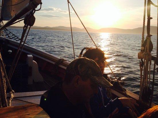 Schooner Appledore II Windjammer Cruise: Sunset
