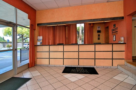 Quality Inn & Suites Sunnyvale/Silicon Valley: Front Desk