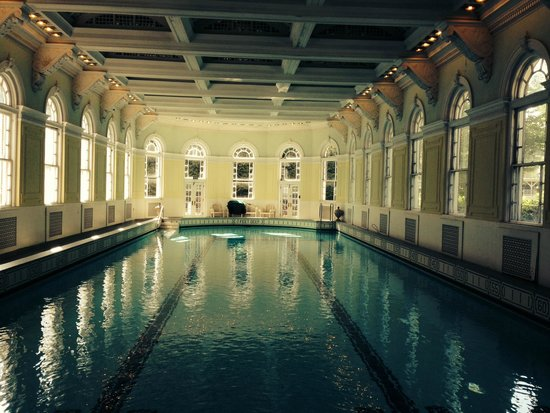 The Omni Homestead Resort: The indoor pool in the spa