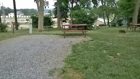 Country Acres Campground: Pop-Up camper site
