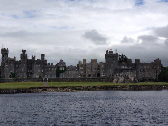 Ashford Castle: Entry from boat