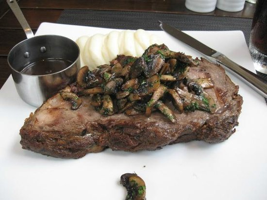 The Vix Bar & Grill: prime rib, garlic musrooms and potatoes, yummmm, can be enough for two people