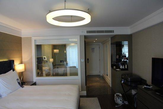 Radisson Blu Hotel, Istanbul Sisli : Business Class Room