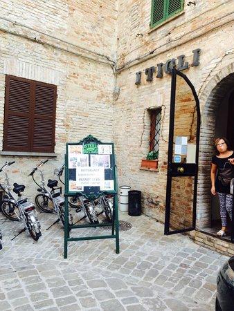 Hotel Ristorante I Tigli: Ingresso hotel