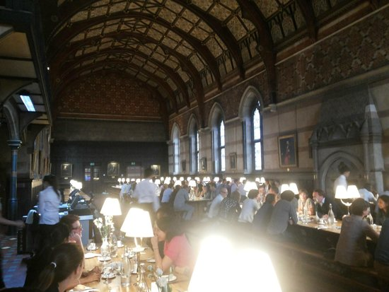 Keble College : dining hall