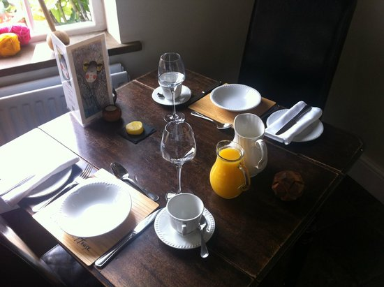 Clow Beck House: Breakfast setting