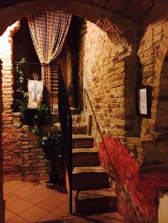 Hotel Ristorante I Tigli: Scalinata