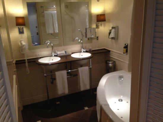 Hotel Estherea: banheiro