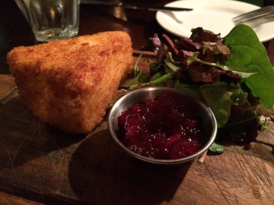 The Ship Tavern : Fried Brie /Cranberry Sauce - Brilliant!