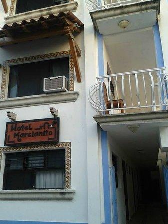 Hotel Marcianito: La fachada, muy pintoresca!