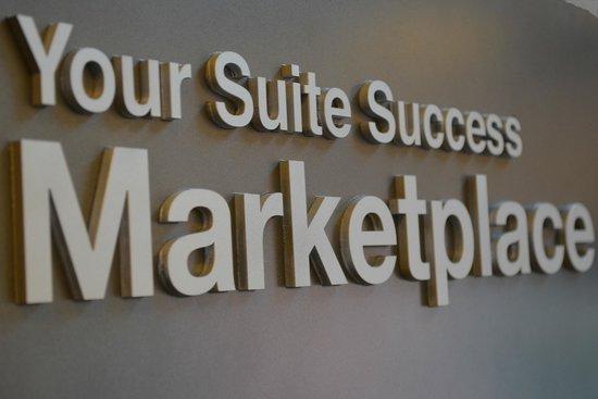 Comfort Suites Vancouver: Marketplace