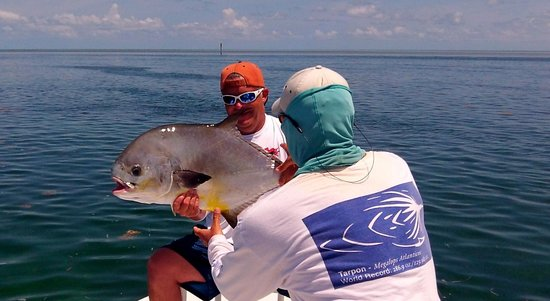 AWS Charters, Key West Flats Fishing: Taking care to handle the fish properly