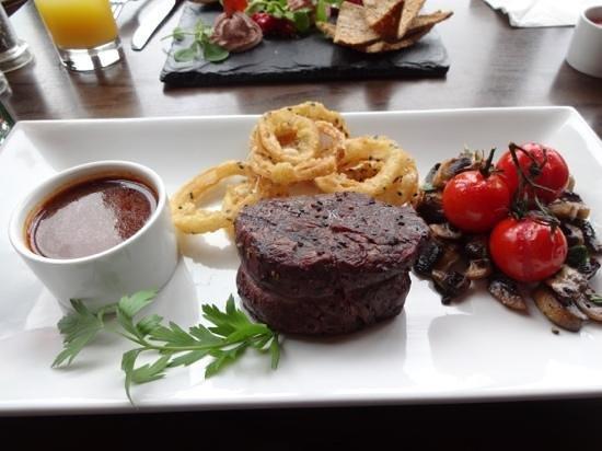 """Glenfinnan House Hotel Restaurant: Steak """"Superb"""""""