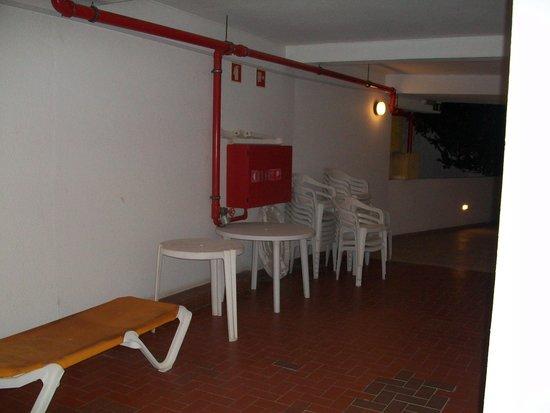 Clube Praia da Oura: outside our room