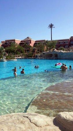 Laguna Vista Beach Resort : бассейн