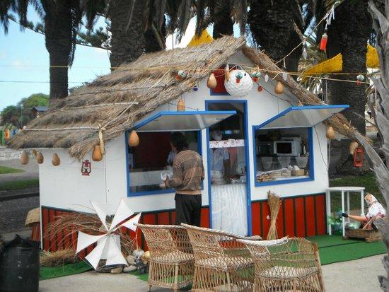 Pestana Porto Santo All Inclusive: Casa tipica da Madeira com comercio