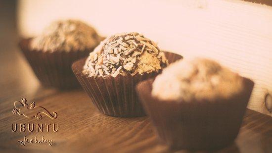 ubuntu cafe and bakery: Date and walnut truffles