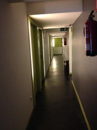 Raval Rooms Barcelona: Couloir
