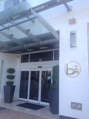 YVE Hotel Miami : Hotel main entrance.