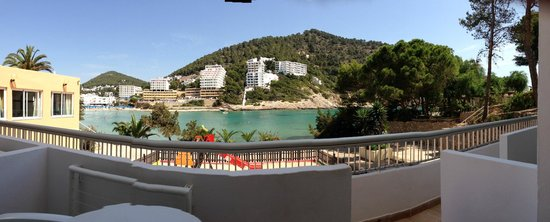 El Pinar Aparthotel: VIEW FROM BALCONY ACROSS THE BAY
