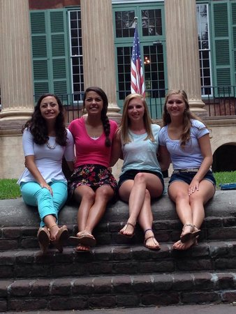 College of Charleston : Happy girls:)