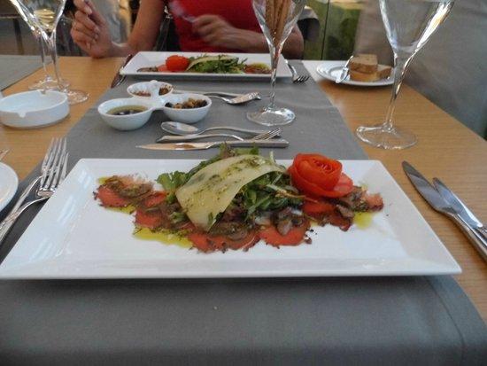 Barut Hemera: Heerlijke carpaccio in het Olive restaurant