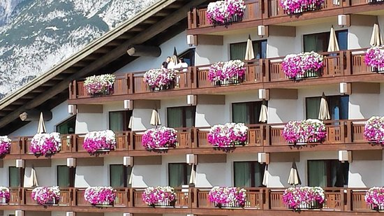 Interalpen-Hotel Tyrol: Front of hotel