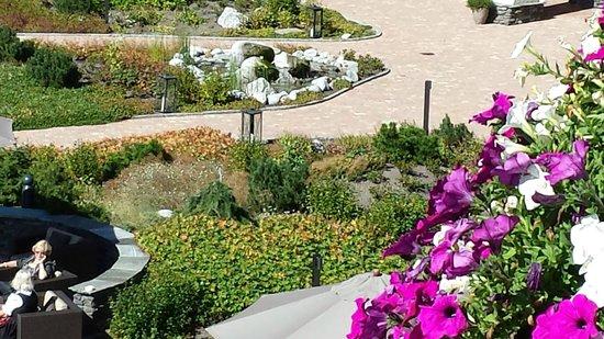 Interalpen-Hotel Tyrol: garden