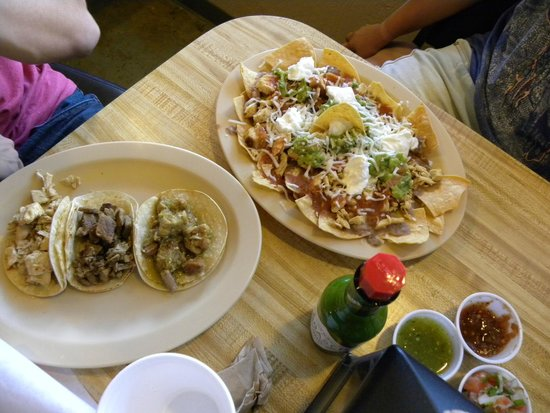 Jalisco Grill: Tacos and nachos