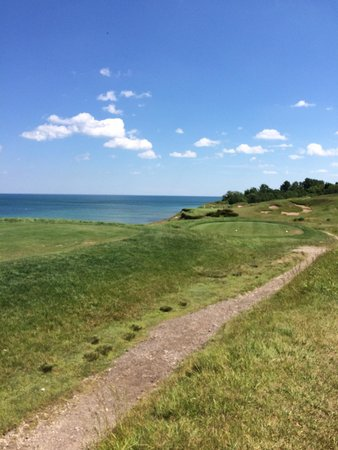 Whistling Straits Golf Course - Straits and Irish : 17th tee. DONT GO LEFT