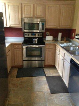 Lakeside Village: Full kitchen