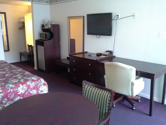 Inn Towne Motel : king room