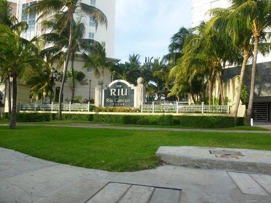 Hotel Riu Cancun: Entrada