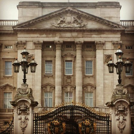 Buckingham Palace: I forgot about le tour, and waited for a guards shift that never did happend :P
