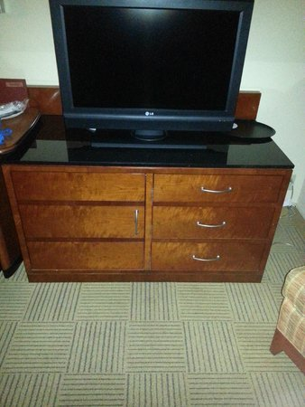 Orlando World Center Marriott: These are the only clothes storage drawers in the room.