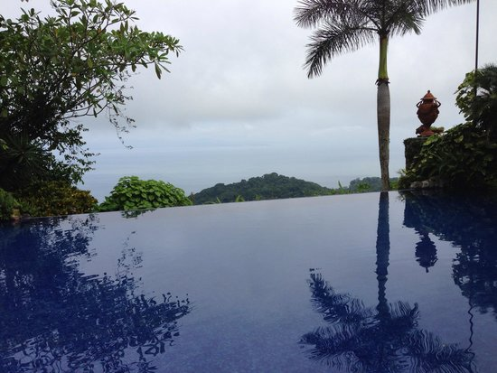 Zephyr Palace Luxury Rental Mansion: A shot from the infinity pool at Villas Calletas
