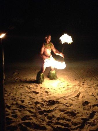 Savaii Lagoon Resort : Fire dance on the beach as part of fiafia night