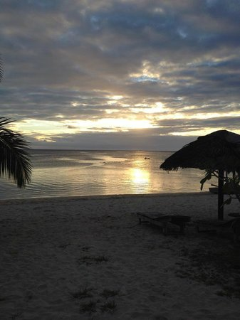 Savaii Lagoon Resort: Sunset from the resort