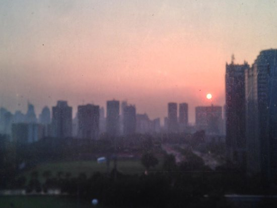 HARRIS Suites FX Sudirman: Watching Sunrise from FX.