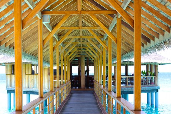 Reethi Beach Resort: Moodhu Bridge