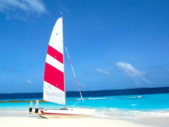 Reethi Beach Resort: Catamaran